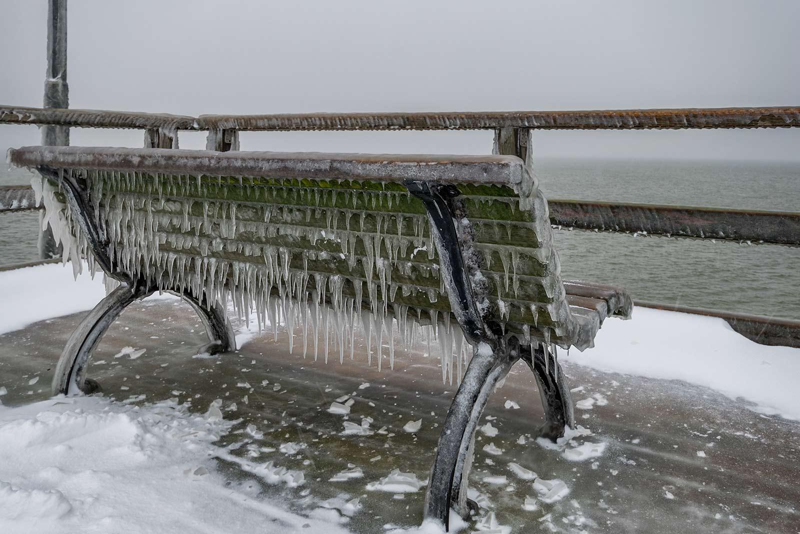 Winter an der Bansiner Seebrücke