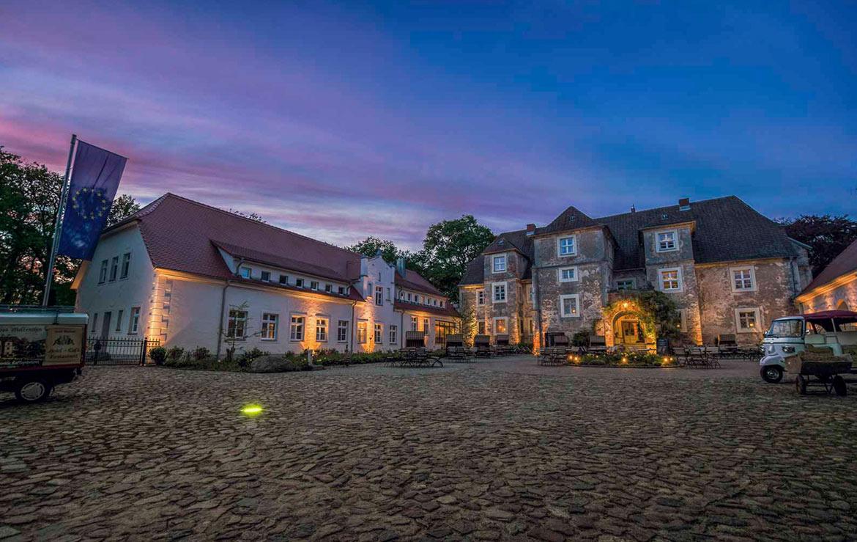 Wasserschloss Mellentin Insel Usedom Werbung Fotograf Fewo Zimmer